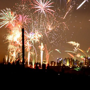 Independence-Day-Fireworks-Photo-by-Andre-Engels-300x300